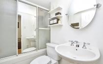 017apt1_bathroom